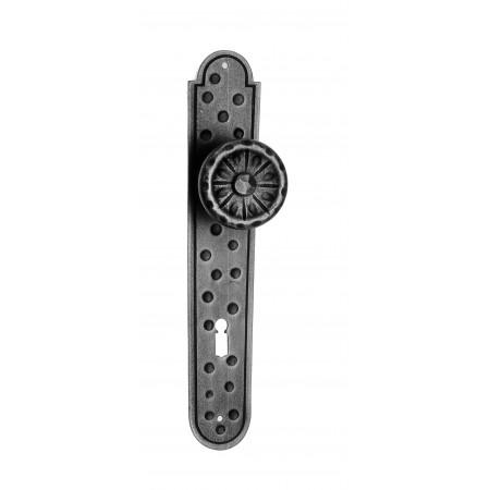 Kovaná koule na štítu model 521