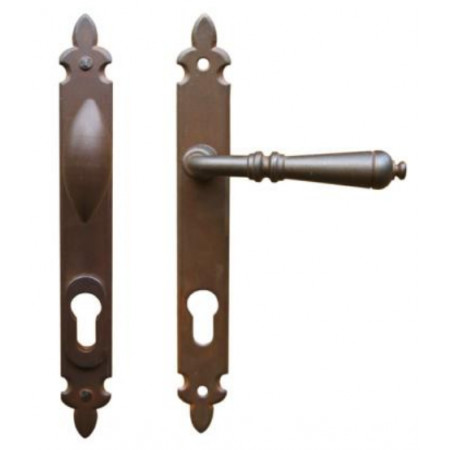 Kované ochranné kování na štítě model 4371